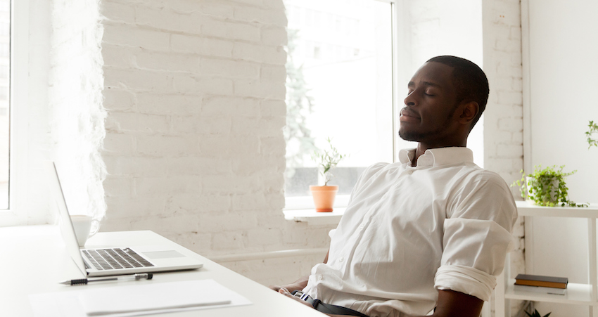 How to Practice Mindfulness at Work the Moment You Start to Feel Stressed